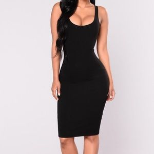 FASHIONOVA Black bodycon midi dress